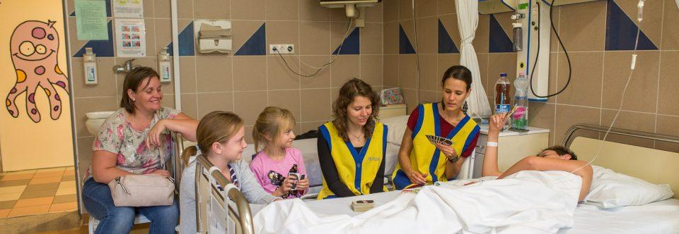 Több nevetés jut a Gyermekklinika kis betegeinek