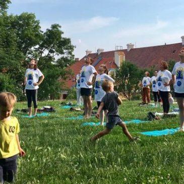 A jógát állítják a közösségépítés szolgálatába